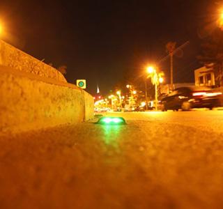 Dispositifs de sécurité>Plots de chaussées>Plots solaires de chaussées