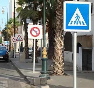 Signalisation routière>Signalisation lumineuse>Panneaux de police a leds